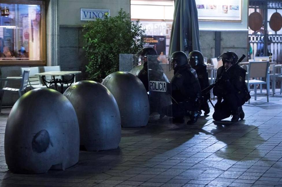 Un policía apuñalado y potencialmente grave en Madrid durante las cargas por las protestas
