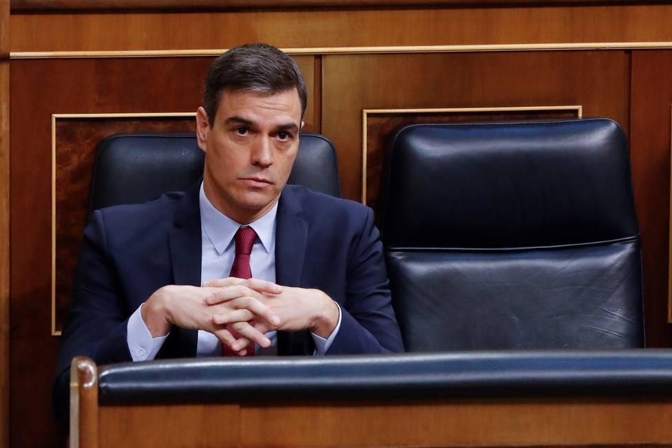 Sánchez reitera a Casado que la unidad es el camino para salvar vidas y empresas