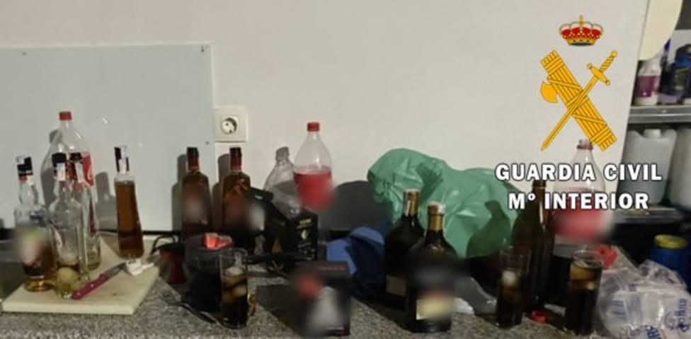 Desalojan a 34 personas que celebraban una fiesta en una nave de Benahadux