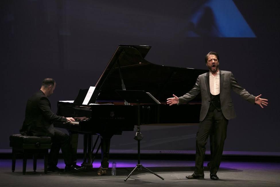 El barítono ortegano Borja Quiza durante un concierto