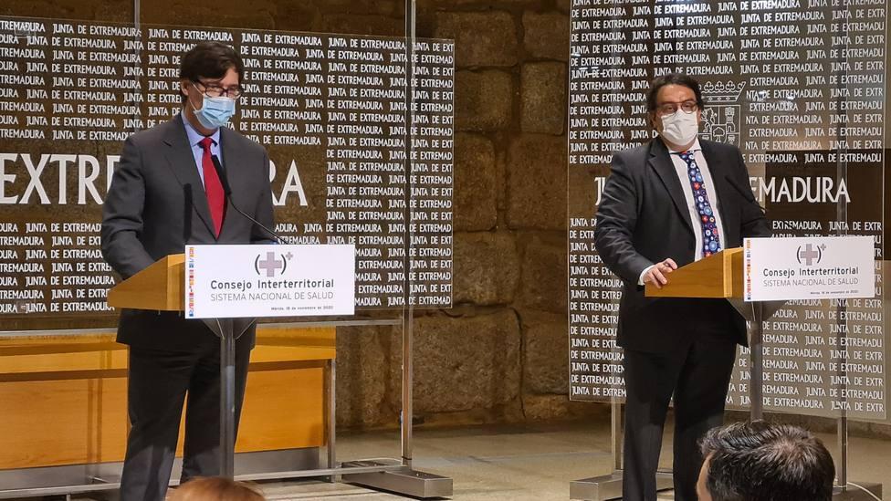 El ministro de Sanidad Salvador Illa y el consejero extremeño José María Vergeles en rueda de prensa (Juntaex)