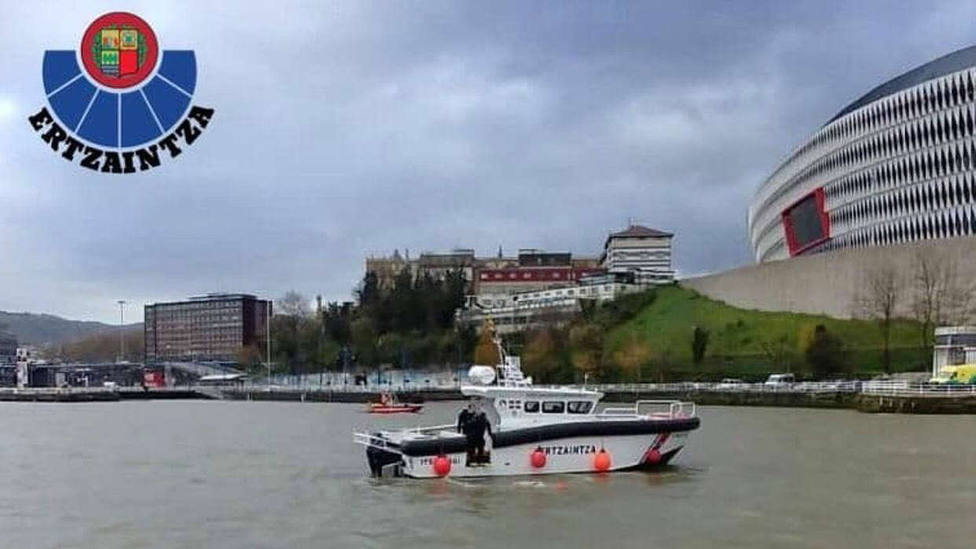 Concluye sin resultado el dispositivo de búsqueda de una persona que cayó a la ría de Bilbao este miércoles
