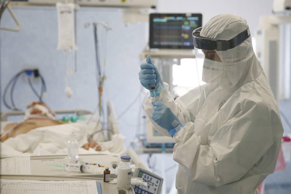 Italia notifica 7.767 nuevos casos en las últimas 24 horas, su menor dato diario de contagios desde febrero