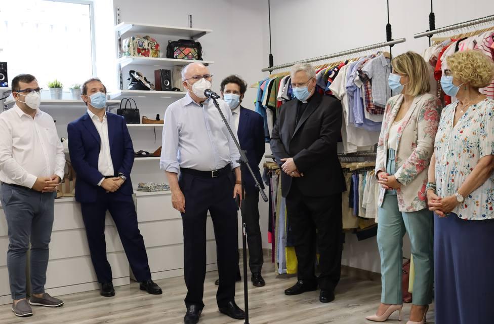 ctv-30a-2021-moda-re-inauguracin-de-la-primera-tienda-de-critas-en-la-regin-de-murcia-18