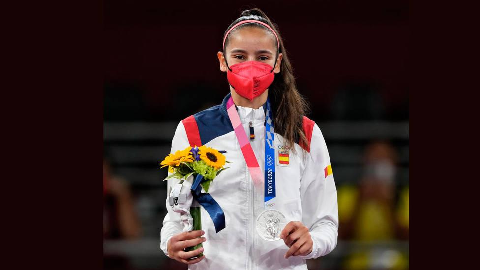 Adriana Cerezo, con su medalla de plata