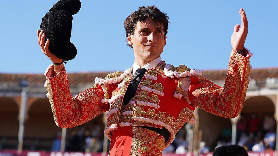 Antonio Grande en la vuelta al ruedo posterior al corte de la oreja este viernes en Salamanca