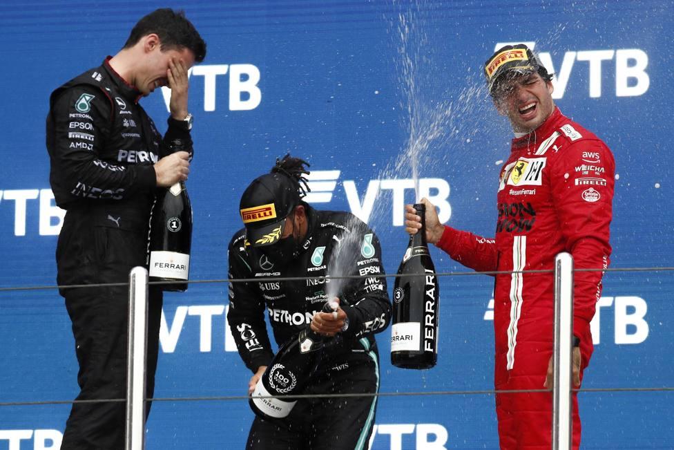 Carlos Sainz acaba tercero en la victoria número 100 de Hamilton