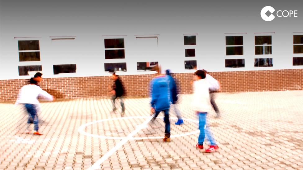 ctv-z64-el-tsjcyl-prohbe-el-uso-de-balones-y-actividades-deportivas-extraescolares-el-patio-de-un-colegio-de-palencia