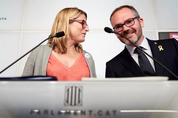 La portavoz del Govern, Elsa Artadi, y el vicepresidente primero de la cámara, Josep Costa