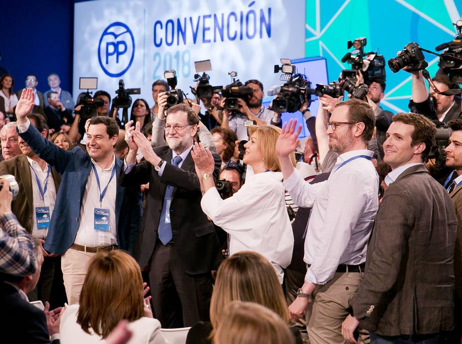 Rajoy es recibido entre aplausos en la convención del PP celebrada en abril de 2018 en Sevilla