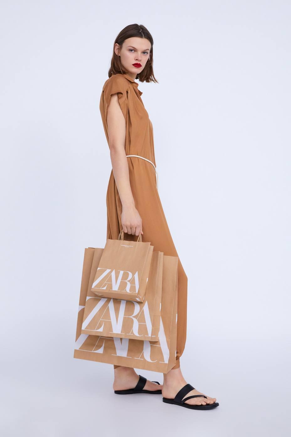 Zara eliminará desde el viernes las bolsas de plástico y usará solo bolsas de papel reciclado