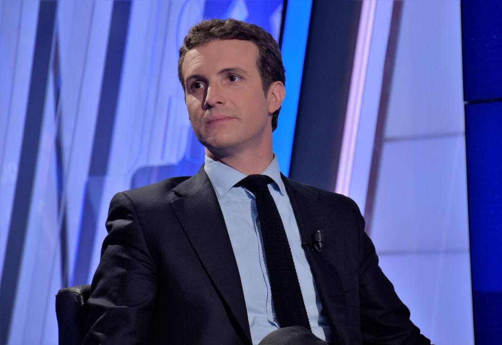 """Casado, en TRECE: """"Parece que Sánchez mete la mano en el bolsillo del contribuyente para financiar la campaña"""