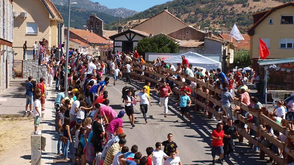 Los encierros de Los Molinos, una de las principales atracciones de las fiestas