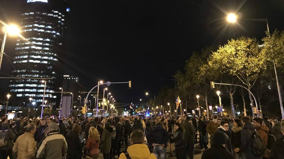 Los CDR cortan los accesos a Barcelona por la Diagonal, la Meridiana y Gran Via