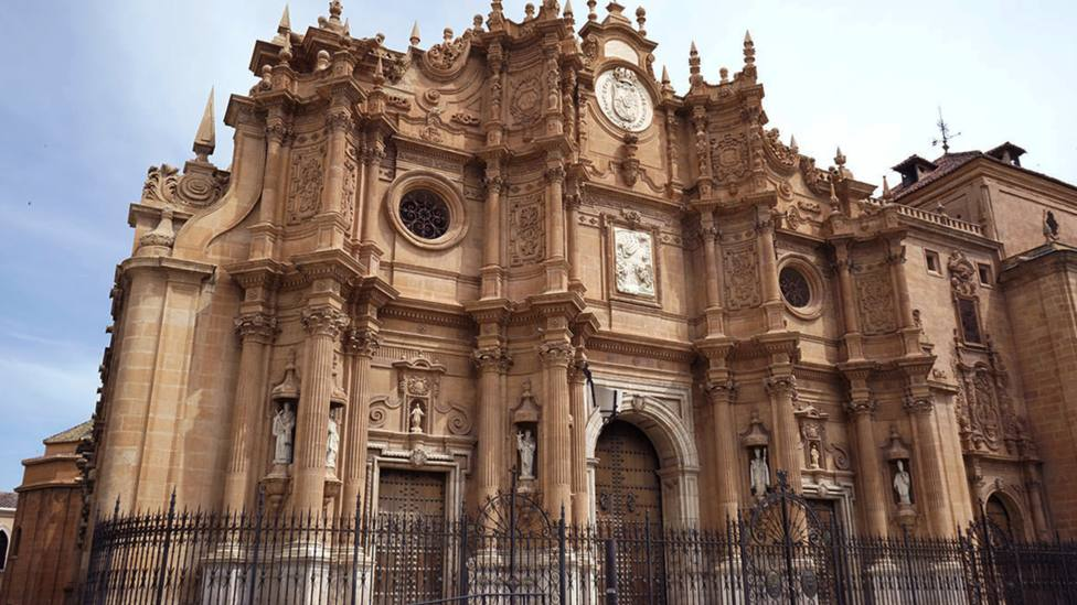Las impresionantes catedrales españolas que tal vez no conozcas