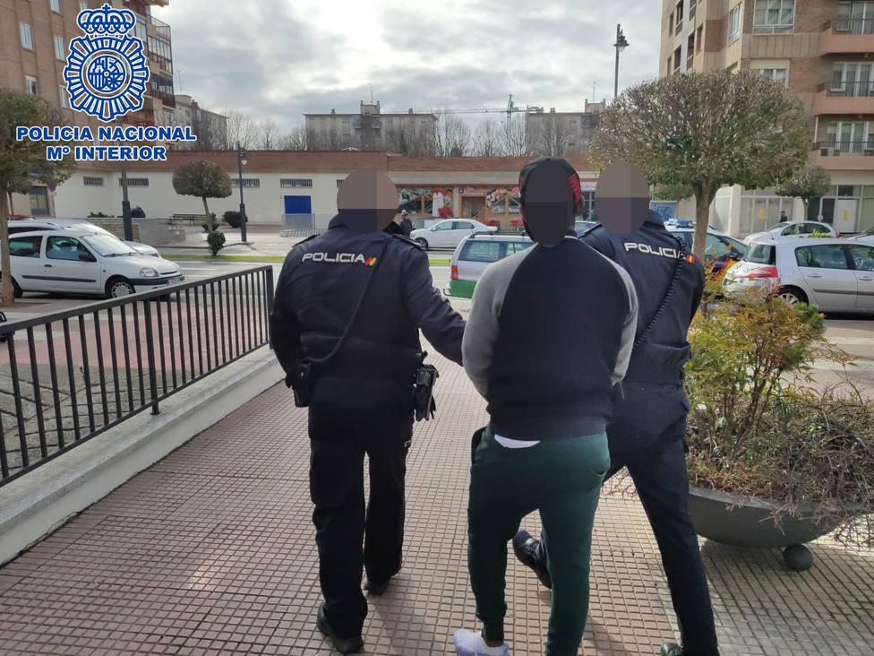 Detenido en Logroño por estafa bancaria al sumar 52 cargos fraudulentos por internet