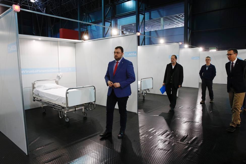 El presidente del Principado durante la visita que hizo al hospital de campaña