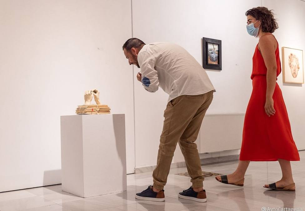 La exposición Humor Vítreo desconfina el Palacio de Molina de Cartagena