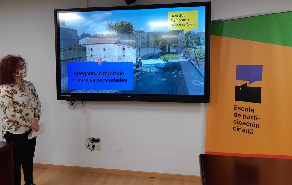 La concejala Catalina García presentó las nuevas actividades de la Escuela de Participación de Narón