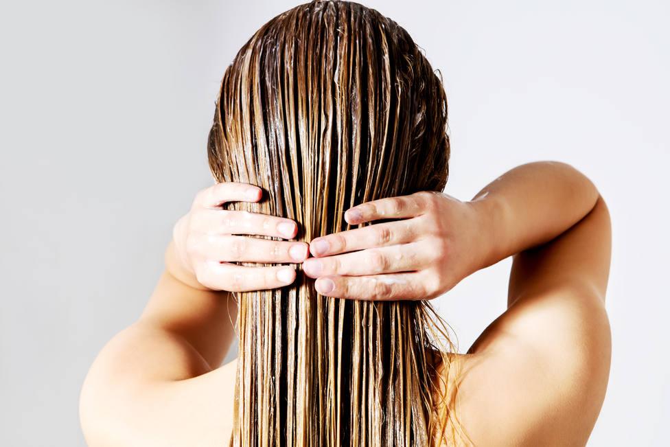 El truco definitivo para que los agentes atrapa grasa hagan mejor su trabajo y te dejen el pelo bien limpio