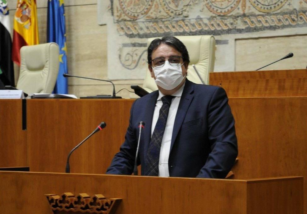 José María Vergeles en la Asamblea de Extremadura
