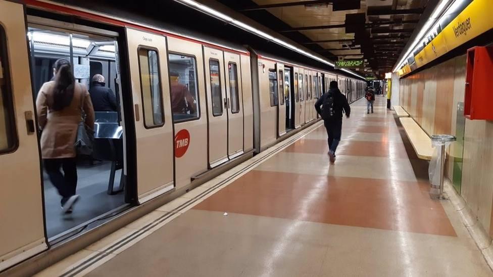 TMB opta por reforzar la franja nocturna del metro a partir del 9 de mayo