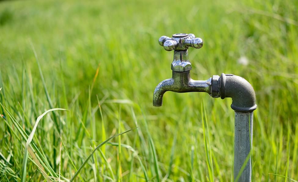 ctv-yr0-faucet-4172621 1920