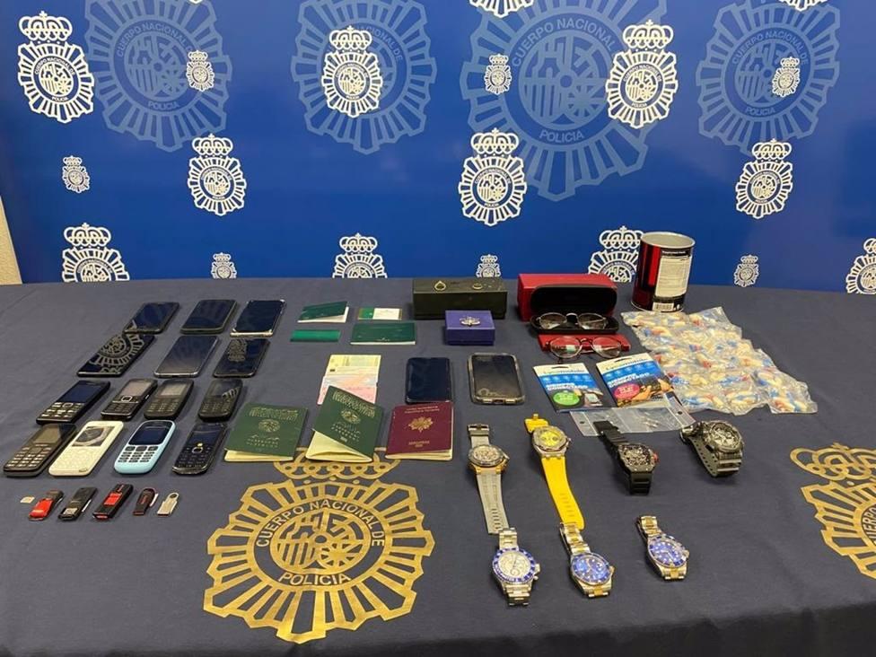 Málaga.- Sucesos.- Dos detenidos por 13 robos con violencia de relojes de alta gama en Puerto Banús
