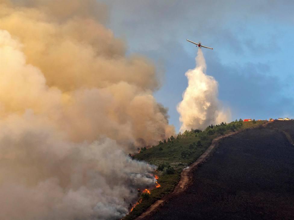 El incendio de Folgoso (Lugo) quema 70 hectáreas
