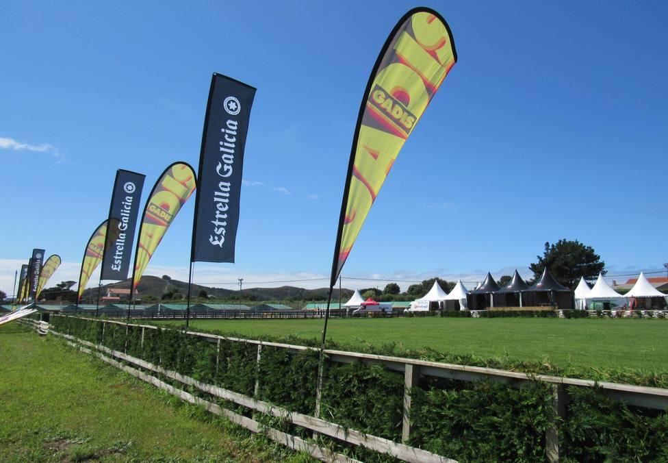 El campo de As Cabazas ya está preparado para recibir a competidores y público - FOTO: Equiocio