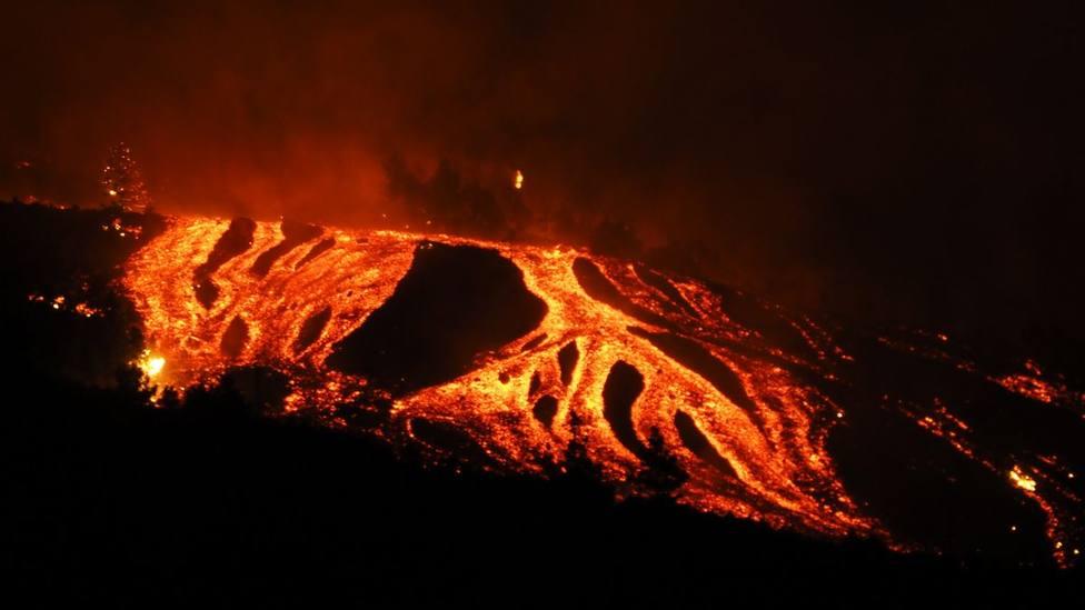 Encuesta | ¿Cree que ha sido eficaz la reacción de las autoridades con el siniestro del volcán en La Palma?