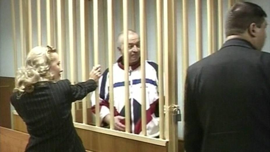 Un exespía ruso, en estado crítico tras exponerse a una sustancia desconocida