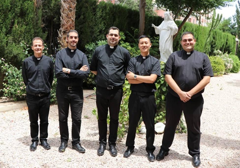 Cinco jóvenes se ordenan presbíteros este año