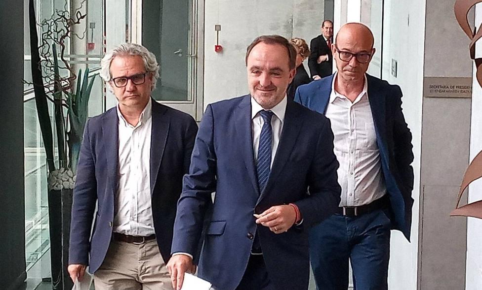 Navarra Suma califica la investidura de Chivite de vergüenza democrática y una traición