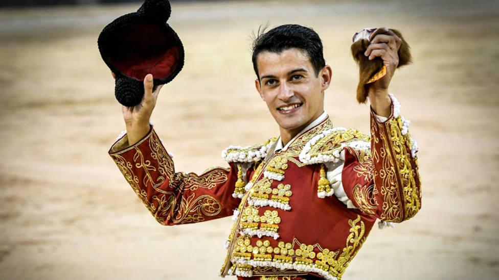 Carlos Aranda con la oreja cortada este domingo en su debut en Las Ventas