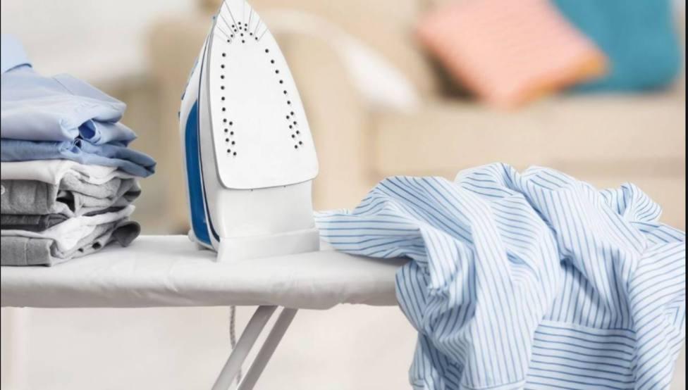 La técnica infalible para eliminar las arrugas de tu prenda sin planchado