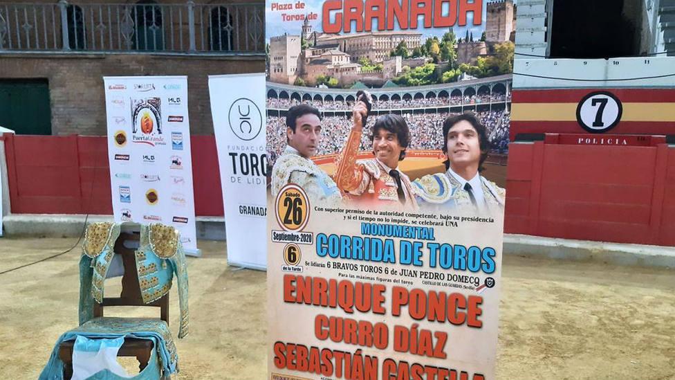 El ruedo de la plaza de toros de Granada acogió la presentación de los carteles este lunes