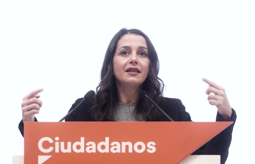Ciudadanos advierte al Gobierno: o renuncia al referéndum y la enmienda del castellano o votará no a los PGE