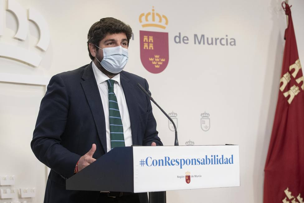 Murcia prohíbe las reuniones de no convivientes en los domicilios privados