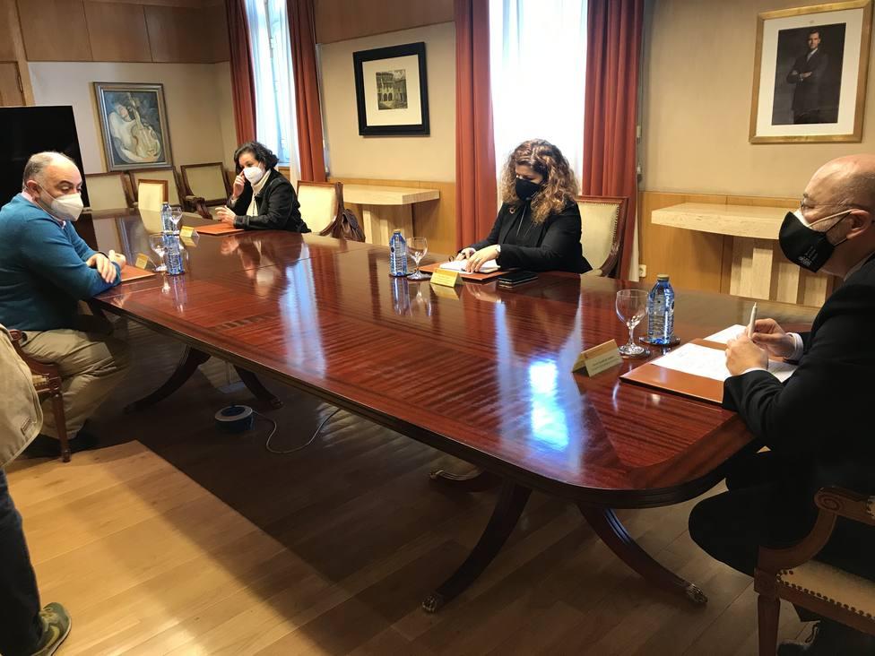 Encuenntro entre delegados sindicales y el delegado del Gobierno en Galicia - FOTO: Delegación del Gobierno