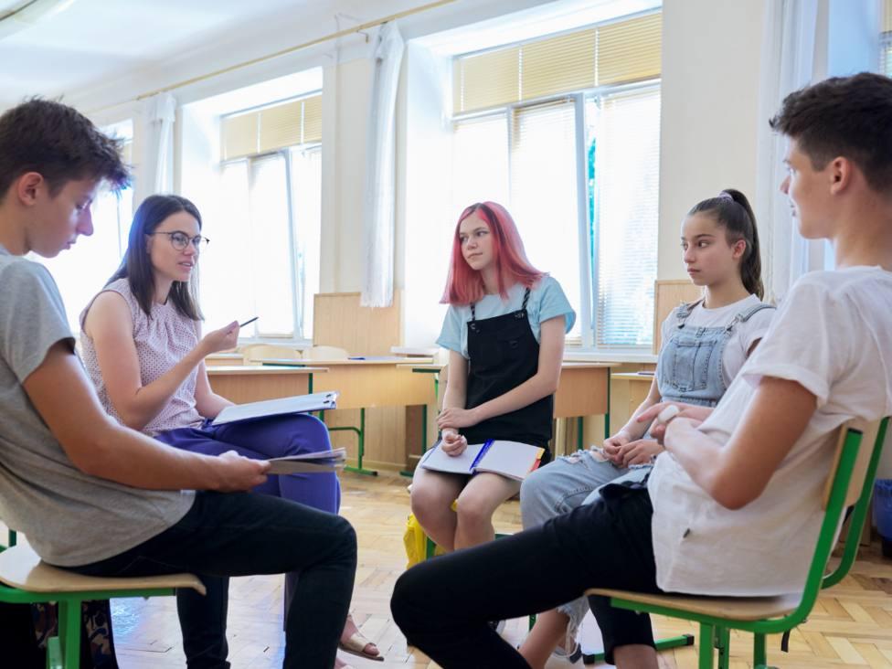 Debate entre jóvenes