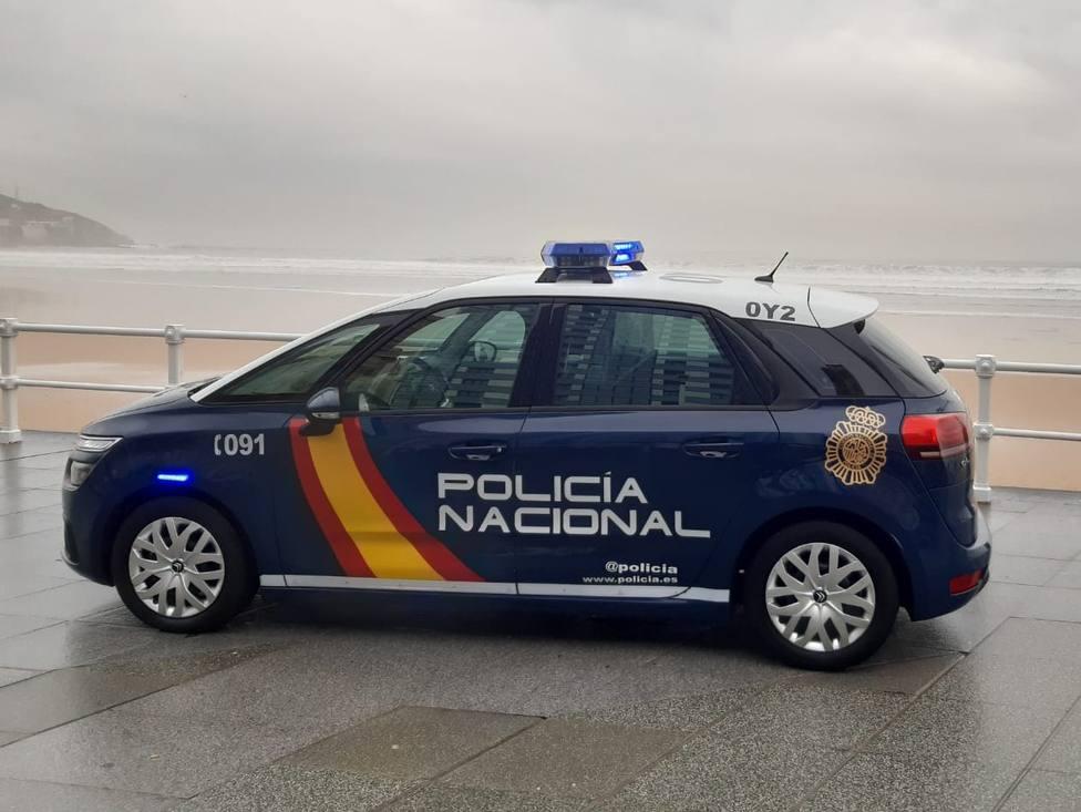 Foto coche CNP en el Muro de San Lorenzo (CNP)