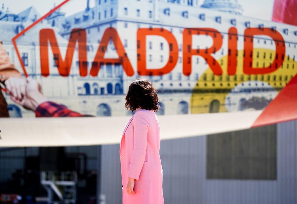 De San Lorenzo, al cielo: el Airbus de Madrid con la imagen del Monasterio | FOTO: Comunidad de Madrid