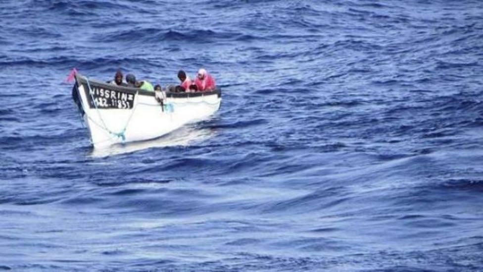 Arriban a Lanzarote 52 inmigrantes de 2 pateras y 3 dicen ser de Irak y Yemen