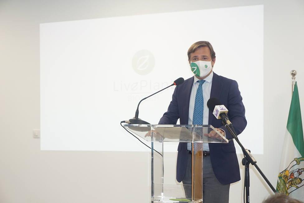 La Junta destaca la apuesta por la innovación, la calidad y la sostenibilidad agrícola de LivePlant Biotech SL
