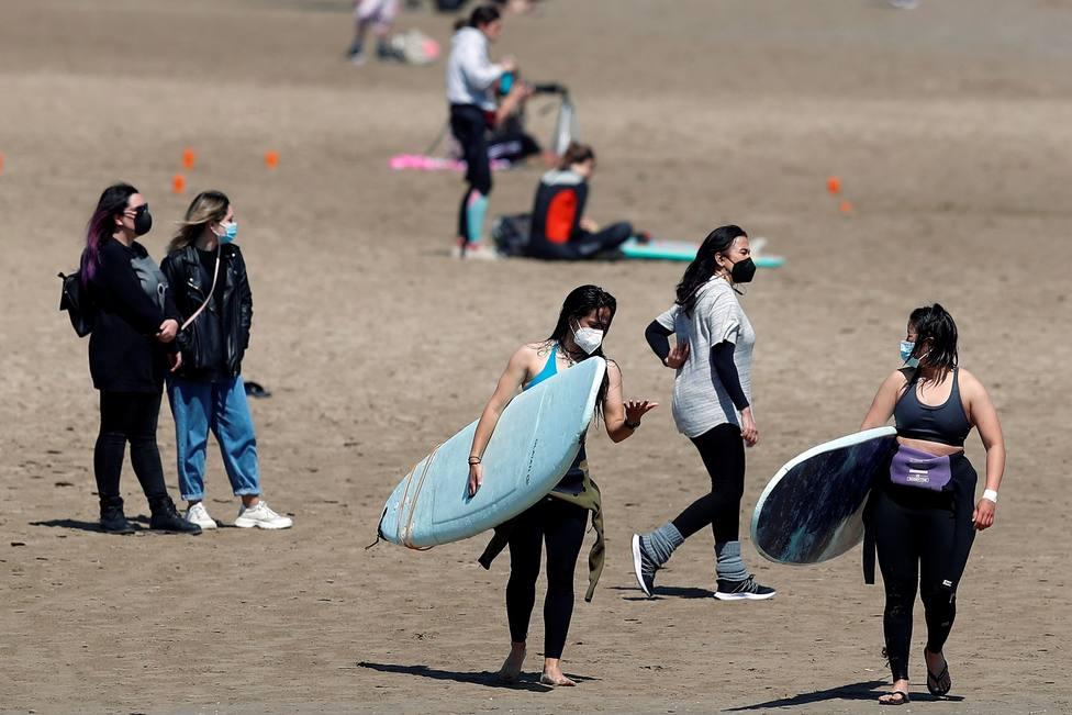 El DOGV publica la resolución sobre uso de la mascarilla en playa y piscinas