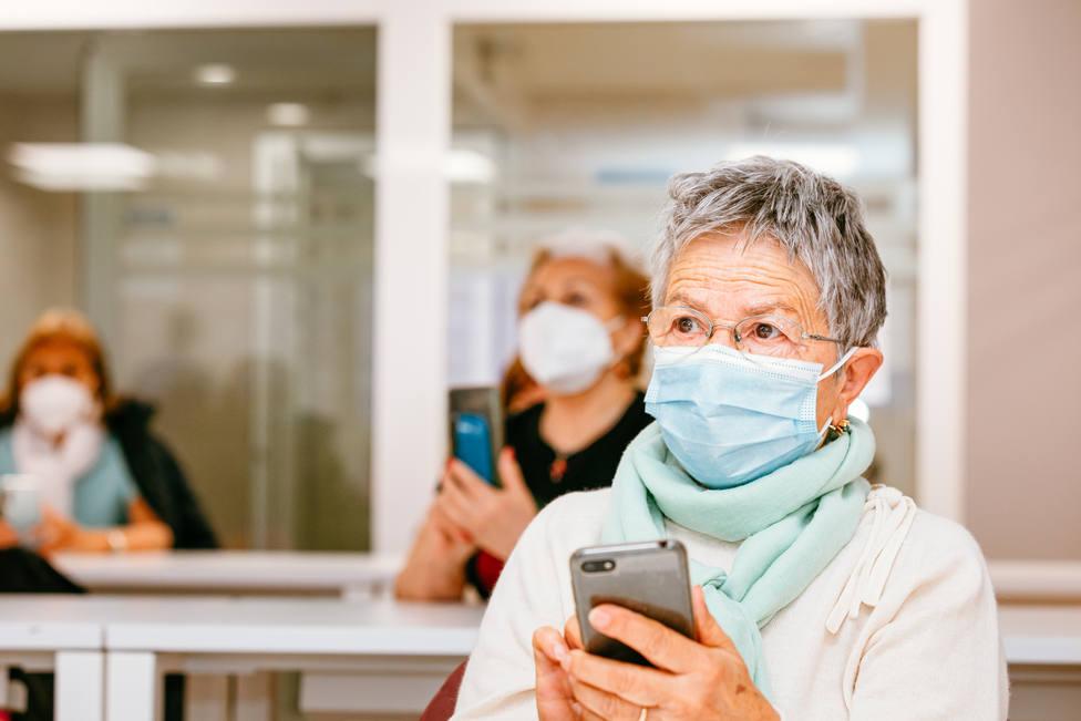 Los mayores de 60 podrán disfrutar de actividades presenciales u on line. FOTO: Afundación