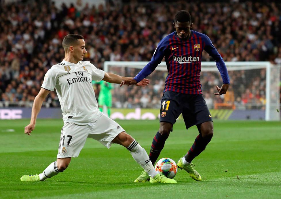 Lucas Vázquez y Dembélé, en el Real Madrid - Barcelona (EFE)
