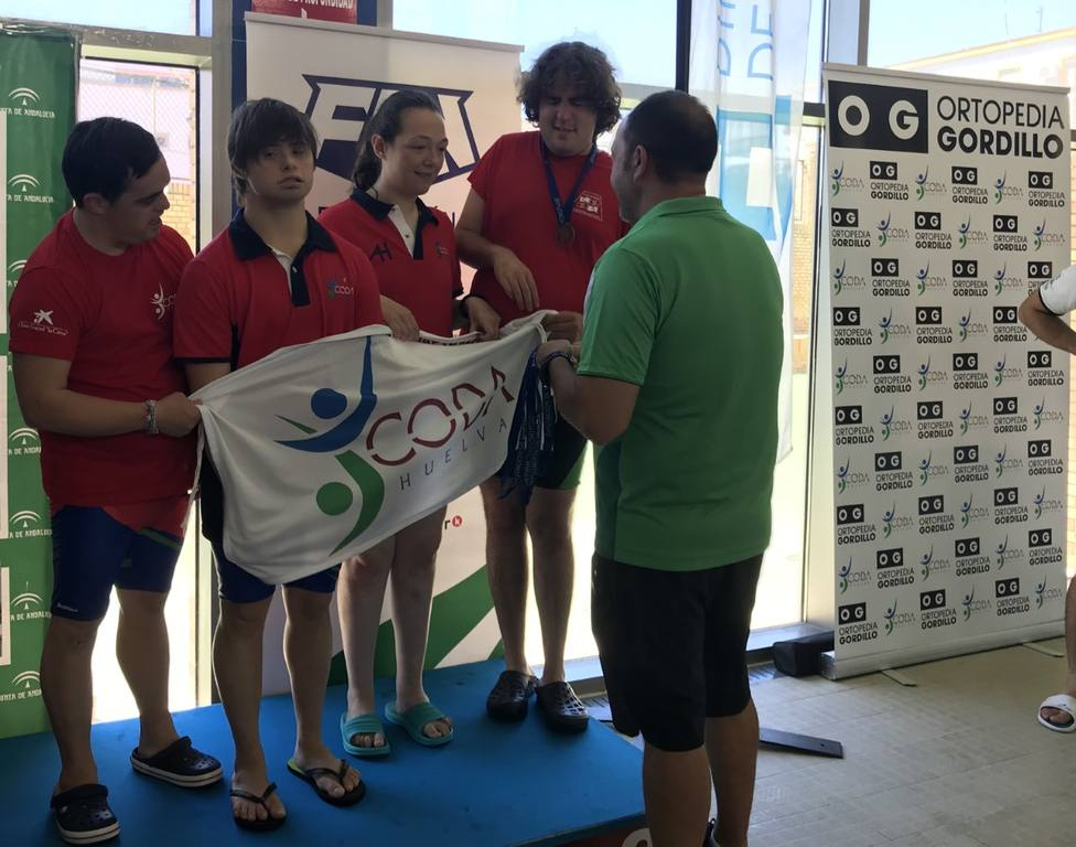 Componentes del CODA participantes en el XV Campeonato de Andalucía de Natación Adaptada Open