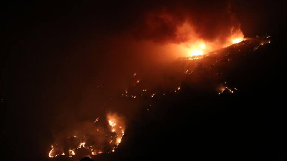 El incendio de Gran Canaria está a las puertas de una de las joyas medioambientales de la isla